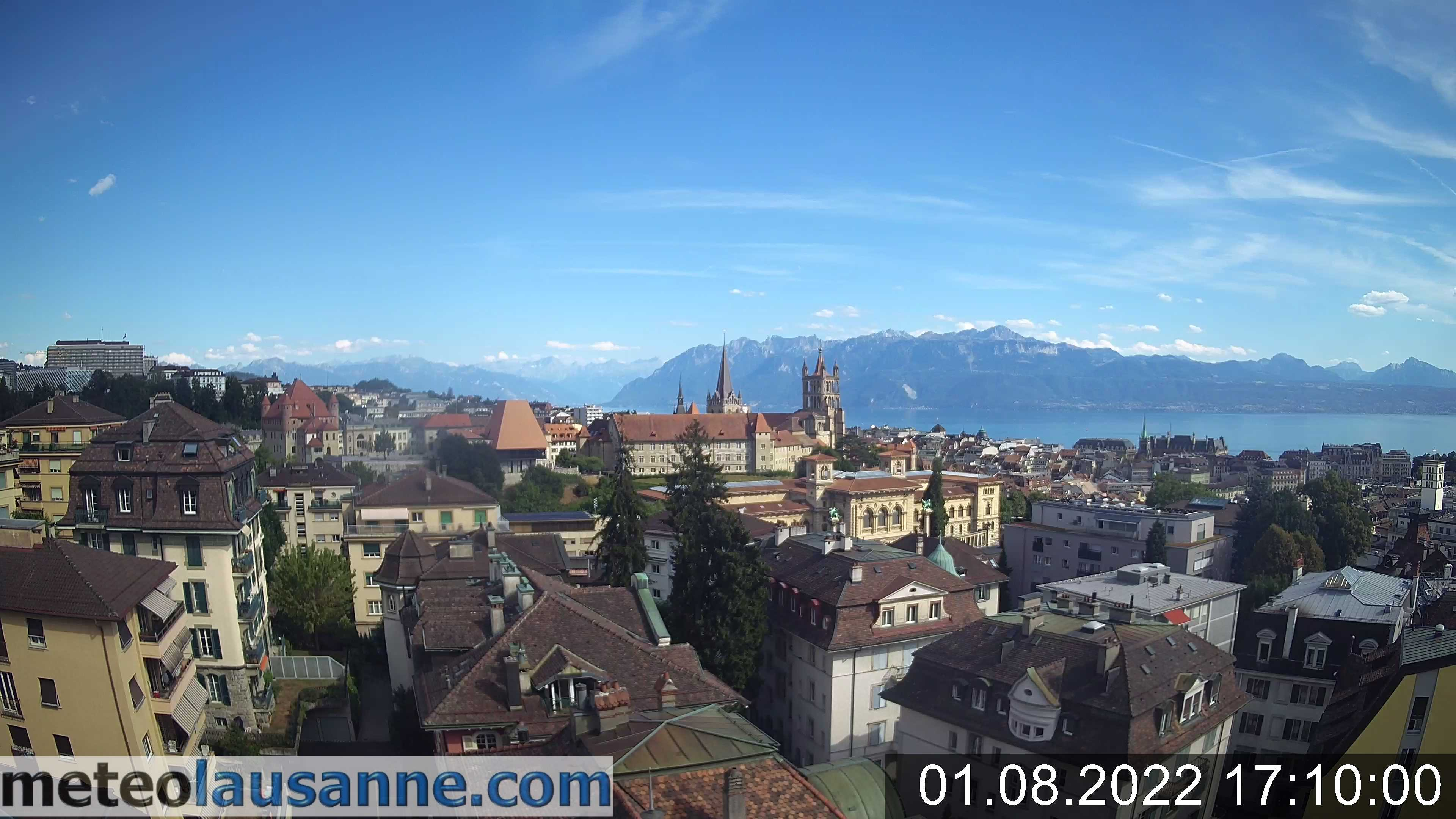 Webcam on the cathedral of Lausanne and the Palais de Rumine.